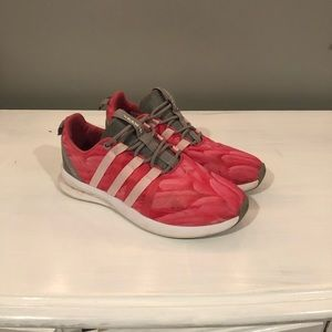 Women's Adidas Sneakers sz. 9